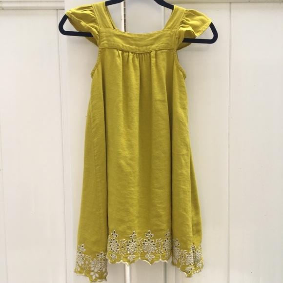 abd17b49fd3 Old Navy Linen Embroidered Dress Size 5T. M 5b4af8fe409c1522df9c679a